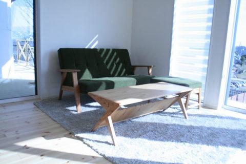 長崎県N様のコーディネート|kai sofa 2p + kai ottoman + delta low table + ballena table + sail chair